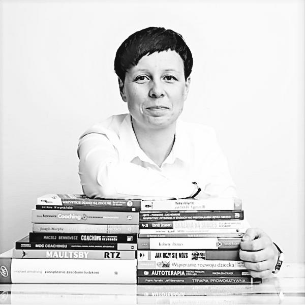 Dr Małgorzata Burzyńska
